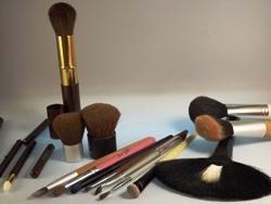 Die richtigen Kosmetikpinsel