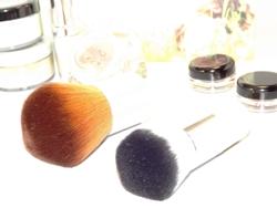 Kosmetikpinsel von Angel Minerals
