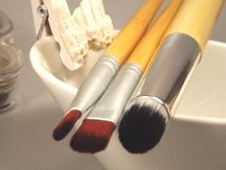 Kosmetikpinsel reinigen